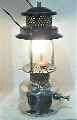 Aussie Handi kero pet kerosene lantern, clean with new seals, burns bright.