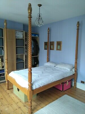 Handcrafted King-size Four Poster Solid Oak Bed
