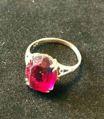 Vintage 9ct gold ring with large rectangular mounted semi-precious stone