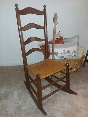 Antique shaker rocking chair, excellent condition!