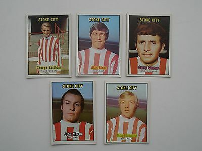 5 A & BC FOOTBALL CARDS FROM THE 1970s STOKE CITY PLAYERS