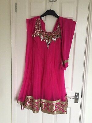 Girls Pink Indian Suit ,beautifully Made. Size 30