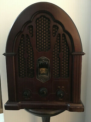 Vintage GE Replica Cathedral AM/FM Radio Model EA-74100JA