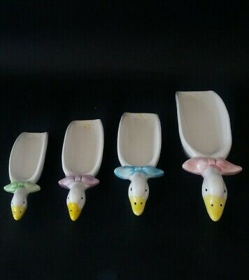 Vintage Retro Set Of 4 Nesting Geese Measuring Cups: Collectors Item
