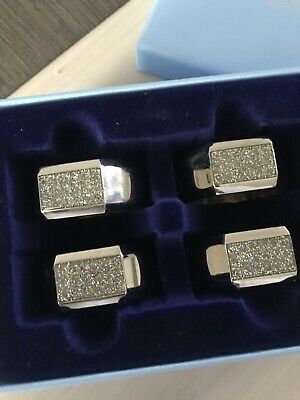 Newbridge Silverware Set Of 4 Napkin Rings with Crystals