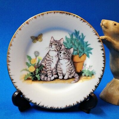 Cat Lovers! Gilt Rimmed 13cm Porcelain Display Plate & Stand - Two Kittens