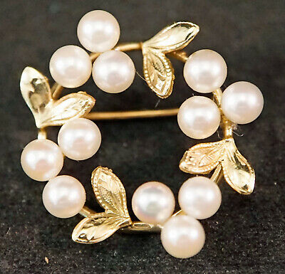 14 KT Yellow Gold and Pearl Brooch / Pin Wreath Design
