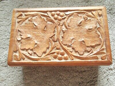 Vintage Indian Carved Wooden Box with hinged lid (B111)