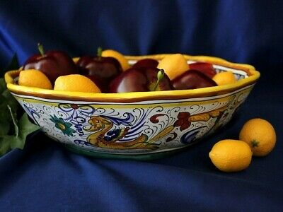 Deruta Raffaellesco Italian Pottery Scalloped Serving Bowl Pasta Bowl