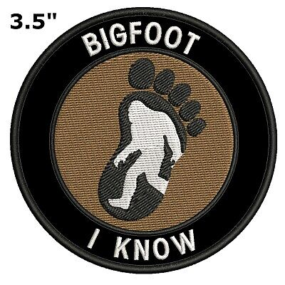 Bigfoot Lives Patch - Sasquatch in the Forest (Iron on) - I Know - Souvenir