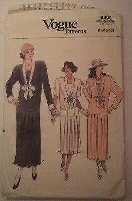 "VINTAGE ""VOGUE""  WOMENSCDRESS PATTERN  9809/ size 14 16 18 ( pt3)/"