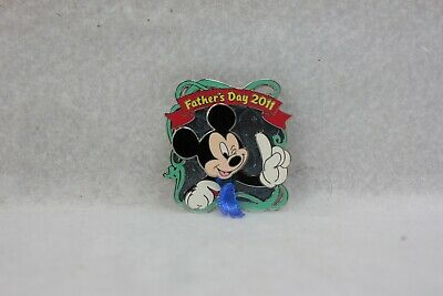 Disney Parks Pin LE 3000 Fathers Day 2011 Mickey Mouse Tie