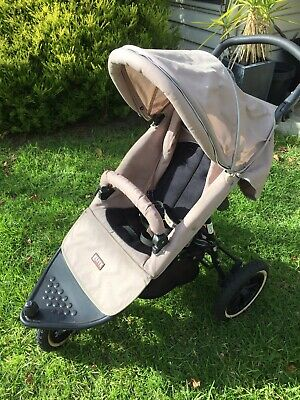 Baby Pram Jogger With All Accessories Including Bassinet, Storage, Cup Holder