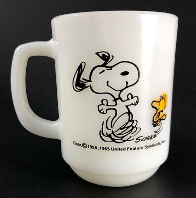 Anchor Hocking Fire King Snoopy & Woodstock Mug 1965 Vintage!!
