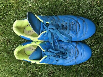 1a686e1773d PATRICK FOOTBALL BOOTS Size 7 - £1.50 | PicClick UK