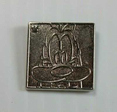 Disney DLR 2012 Hidden Mickey Character Faces Pin Goofy Chaser