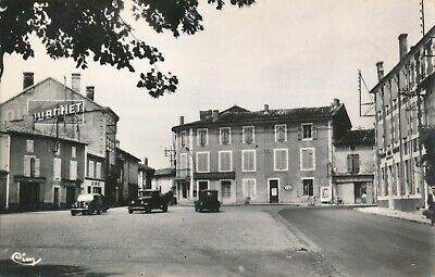 CPA - France - (16) Charente - St-Claud - Place Sadi-Carnot