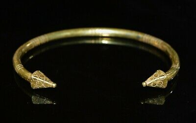 Byzantine Gold Bangle with Pyramidal Terminals