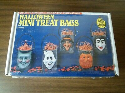 Vintage Accents Unlimited Wee Crafts Halloween Mini Treat Bags Sealed in Box