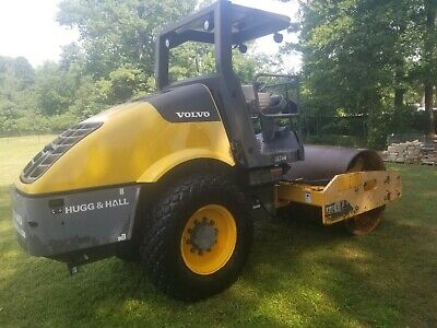 "2011 Volvo Ingersoll Rand SD70D 66"" Smooth Drum Roller Compactor, Only 1215 Hrs"