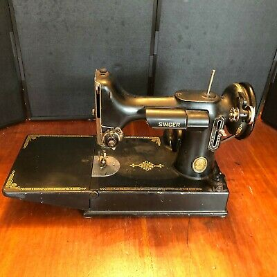 SINGER  221-1 SEWING MACHINE TEST in Great working condition