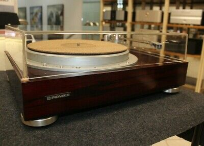 Pioneer PL-50L turntable in excellent condition