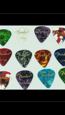 Fender™ Guitar picks x 12 - Medium (0.71mm)