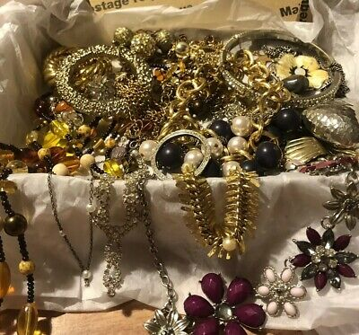 "Huge ""Girly"" Romantic Old-School Vintage Jewelry Lot, 23 Pcs, Some Signed"