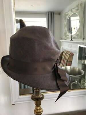 Vintage 1920's Women's Chocolate Brown Cloche Hat With Ribbon.