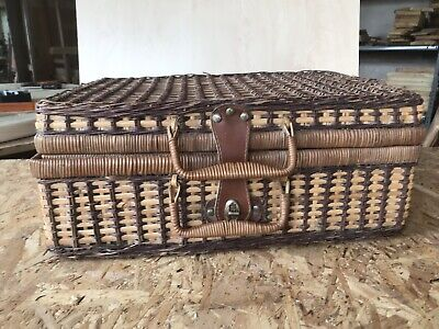 Small Wicker Hamper Picnic Basket