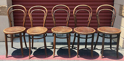 FIVE ANTIQUE BENTWOOD CHAIRS BY J & J KOHN AND MUNDUS Art Noveau