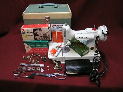 1968/1969 Singer 221K WHITE Featherweight Sewing Machine w/Pedal/Case/Button/Att