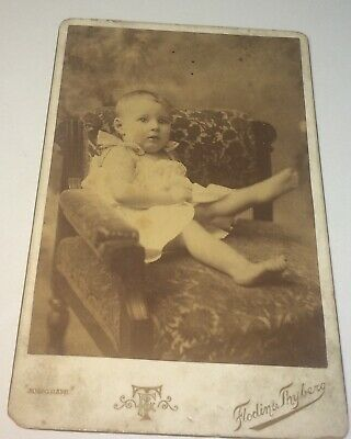 Antique Victorian American Fashion Adorable Barefoot Child Cabinet Card Photo US