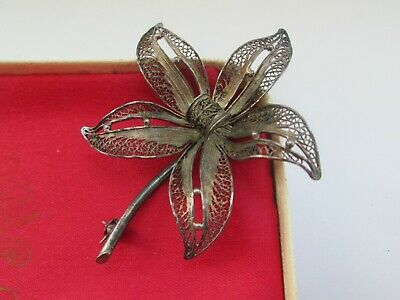 Vintage Beautiful  3 Dimensional Silver Filigree Orchid Lily Flower Brooch Pin