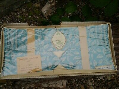 Cromlech Fabrics Irish Damask 1TROLLEY TRAY CLOTH AND 2 NAPKINS BOXED.