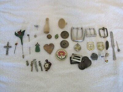 Lot of Collectibles Trinkets Junk Drawer Jewelry, Buttons, Buckles, 30+ Items