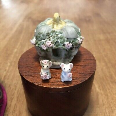 Hand Made Porcelain China Pumkin Mouse House Tiny Mice And Wooden Trinket Box