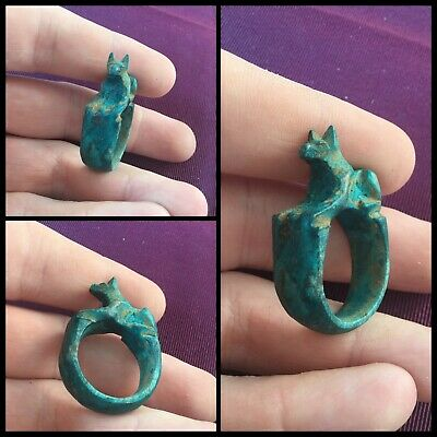 Rare ancient Egyptian blue faience dog amulet ring, 300 bc