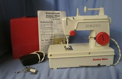 1973 Singer Junior Miss sewing machine toy w/ case, pedal & instructions WORKS