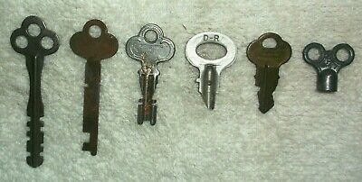 True Vintage UNUSUAL Key Lot of 6 - See Pics  (6 of 7 vtg key listings)