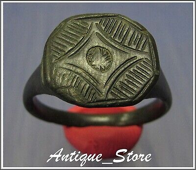 **ROMAN MILITARY BORDERS and FORTIFICATIONS**Ancient Bronze Legionary Roman Ring