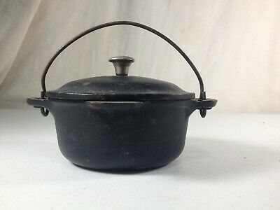 Vintage RARE Mini Griswold cast iron Dutch Oven  No. 0 Erie PA, salesman sample?