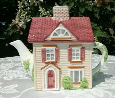 Johnson Bros Friendly Village Street House Teapot 4 Cup Series 1 Handpainted