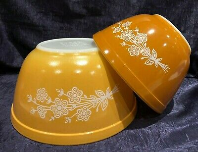 Retro PYREX '79-81; 2 Butterfly-Gold V2 Round Nesting Mixing-Bowls; 401 402