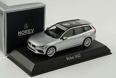 MOTORART 143 SCALE Volvo V40 Cross Country Electric