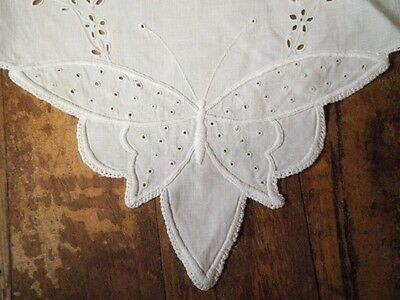 Vintage Doiley Centre Piece Butterfly Ends Off White Hand Embroidery & Cut Work