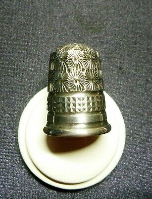 Fabulous Antique Estate  Sterling Silver Thimble  Charles Horner Ches 1916.18531
