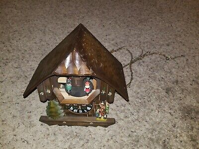 hand painted D. Hones Titisee Neustedt rare Black Forest musical cuckoo clock