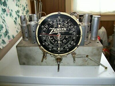 Zenith 7S chassis for parts or repair, tested.