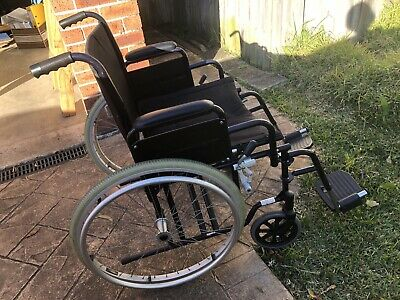 Strong deluxe wheel chair- foldable